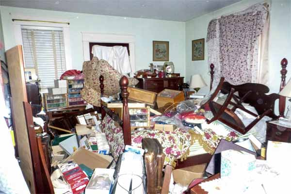 Gulf Shores home improvement ideas include de-cluttering the house in preparation for selling it.